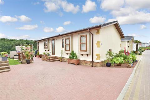 2 bedroom park home for sale - Yeomans Way, Pilgrims Retreat, Harrietsham, Maidstone, Kent