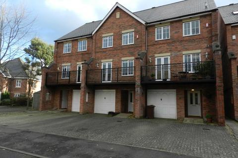 3 bedroom townhouse to rent - Wade Court, Cheltenham