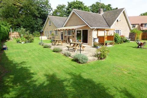 4 bedroom detached bungalow for sale - Priory Gardens, Chesterton, Peterborough