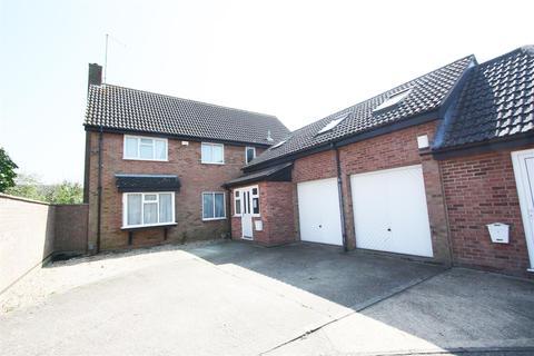 4 bedroom detached house for sale - Lakeside, Werrington, Peterborough