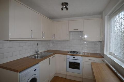 2 bedroom flat to rent - The Avenue, Worcester Park