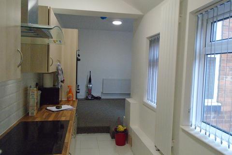 6 bedroom flat to rent - High Street, Erdington, Birmingham, B23 6SS