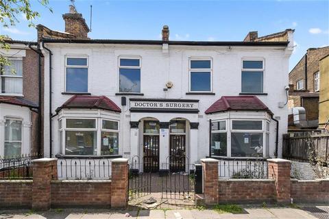 Shop for sale - Buckingham Road, Harlesden