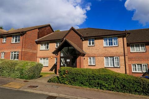 2 bedroom flat to rent - Vermont Close, Enfield, Middx