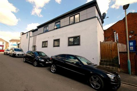 2 bedroom flat for sale - Charlton Kings