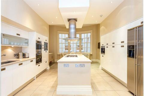 4 bedroom flat to rent - Upper Grosvenor Street, Mayfair, W1K