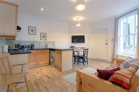 2 bedroom flat for sale - Voltaire Road, Clapham, London