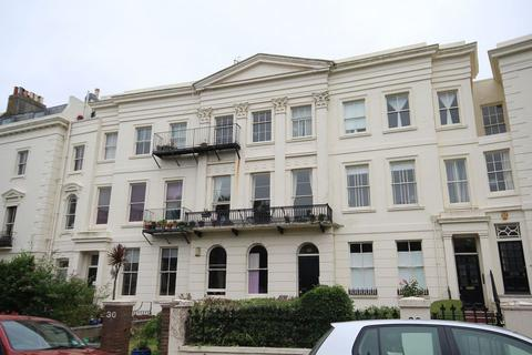 Studio to rent - MONTPELIER CRESCENT, BRIGHTON