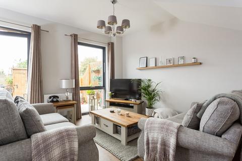 3 bedroom townhouse for sale - Derwent Way, York, YO31