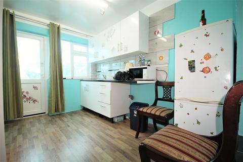 Terraced house to rent - Wellstead Avenue, London, N9
