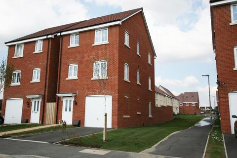 4 bedroom detached house to rent - Blain Place, Royal Wootton Bassett, SN4 8FP
