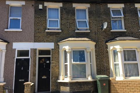 3 bedroom terraced house to rent - Vernon Road E15