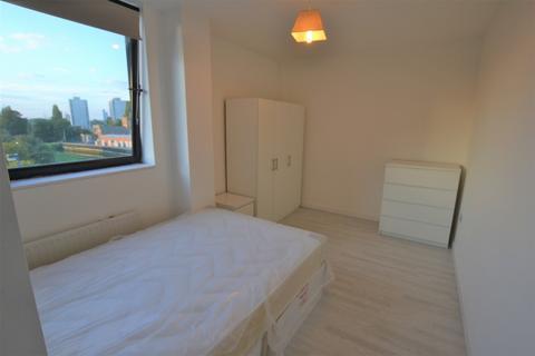 1 bedroom flat to rent - London Road, Barking, IG11
