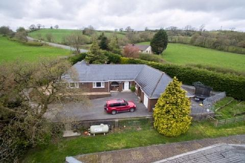 5 bedroom property with land for sale - Kings Oak Nantycaws, Carmarthen, Carmarthenshire. SA32 8HE