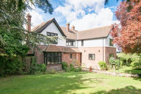 4 Bedroom Detached House For Sale Kingston