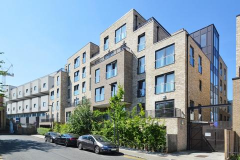 1 bedroom flat for sale - Newton Court, Bow E3