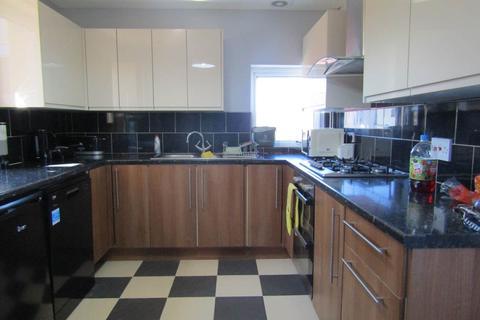 3 bedroom house to rent - Kilvey Road, St Thomas, Swansea