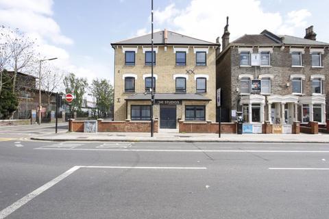 Studio to rent - Green Lanes, Harringay, N8