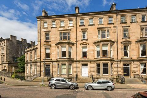 4 bedroom flat for sale - 5 (flat 3) Rothesay Terrace, Edinburgh, EH3 7RY