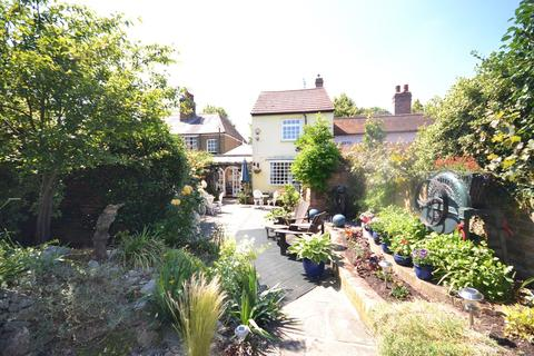 4 bedroom cottage for sale - The Green, Writtle, Essex, CM1