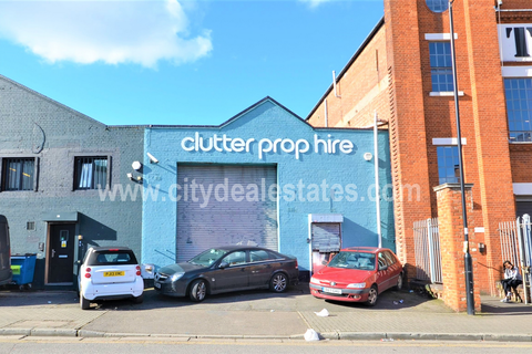 Warehouse to rent - St Leonards Road, London, NW10 6ST