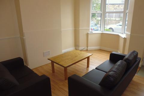 5 bedroom terraced house to rent - 22 Stafford Road