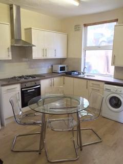 3 bedroom house share to rent - 572 Shoreham street   - STUDENT PROPERTY