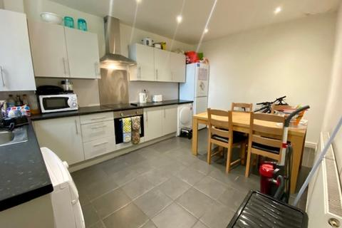 4 bedroom house share to rent - 71 Alexandra Road - VIRTUAL VIEWINGS AVAILABLE