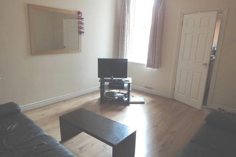 4 bedroom house share to rent - 126 Duchess Road
