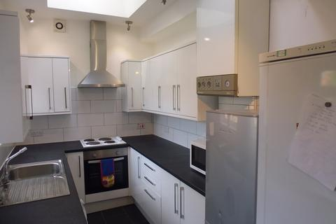 5 bedroom house share to rent - 41 Harefield Road