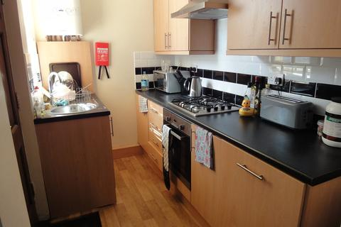 4 bedroom house share - 38 Priestley Street  - STUDENT PROPERTY