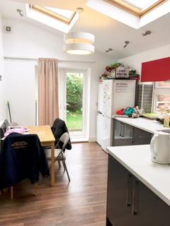 6 bedroom terraced house to rent - 29 Cemetery Avenue