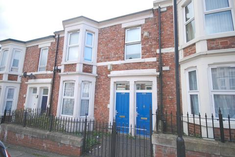3 bedroom apartment for sale - Joan Street, Benwell
