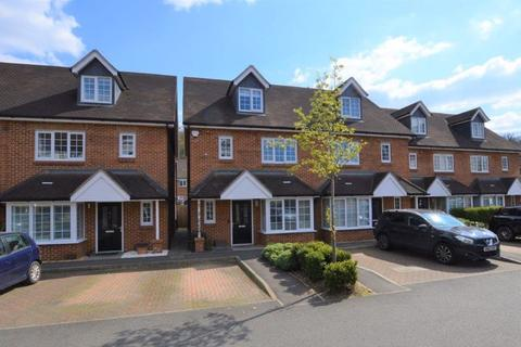 3 bedroom semi-detached house for sale - Godalming - LEVEL WALK OF TOWN AND MAINLINE TRAIN STATION