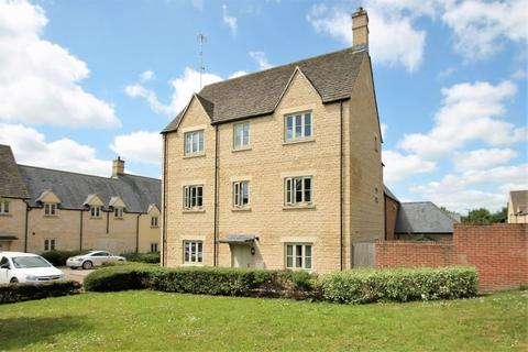 2 bedroom apartment for sale - Cross Close, Cirencester, Gloucestershire.