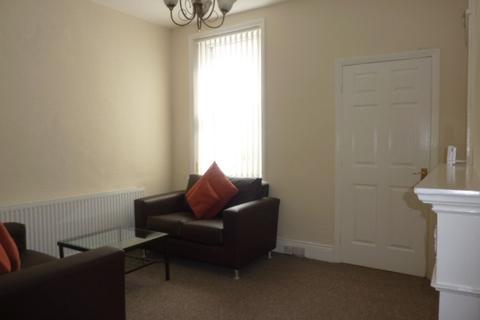 3 bedroom flat to rent - King Edward Place, Gateshead
