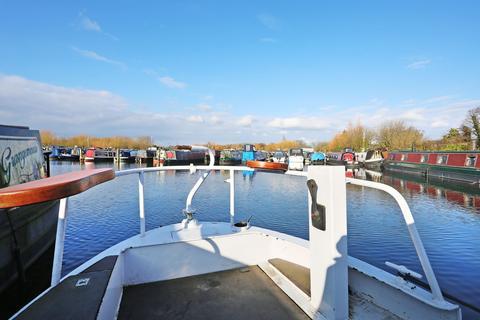 2 bedroom houseboat for sale - Packet Boat Marina, Packet Boat Lane, Uxbridge, UB8