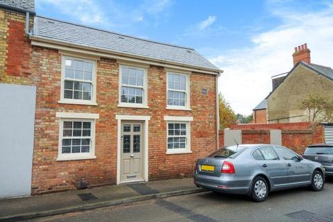 2 bedroom semi-detached house to rent - Chester Street,  East Oxford,  OX4