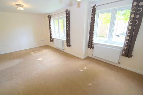 2 bedroom flat to rent - Holly Way, Leeds