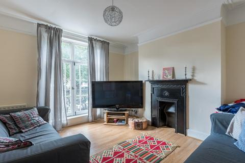 4 bedroom terraced house to rent - ST MARYS GARDENS, SE11