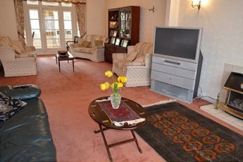 4 bedroom house to rent - Oakwood Park Road, Southgate