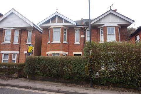4 bedroom flat to rent - Southampton, Highfield, England