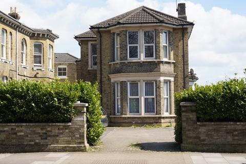 2 bedroom flat to rent - The Avenue Flat 4,