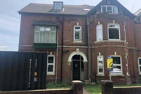 1 bedroom flat to rent - Furzedown Road, Flat 6, Room 2,