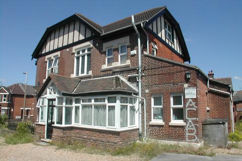 Studio to rent - Portswood Road Flat 5,