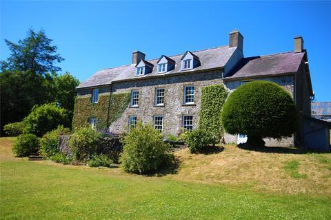 Farm for sale - Llanwrda, Sir Gaerfyrddin