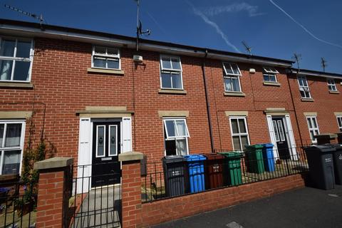 3 bedroom terraced house to rent - Heron Street, Hulme, Manchester, M15 5PR