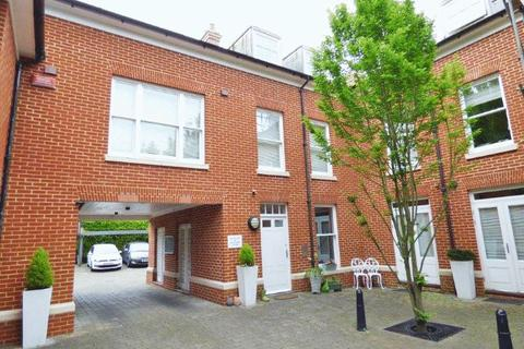 Studio for sale - New Dover Road, Canterbury