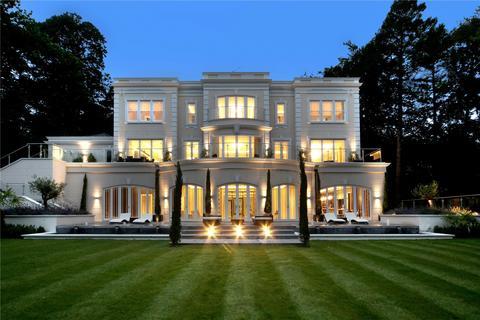 5 bedroom detached house for sale - Rodona Road, St George's Hill, Weybridge, Surrey, KT13
