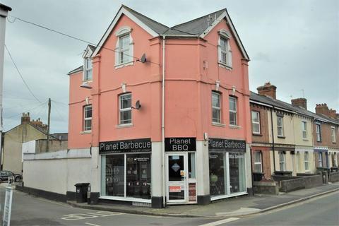 2 bedroom apartment to rent - 2 Bedroom first floor flat,  Rolle Street, Barnstaple